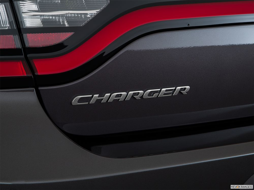 Dodge Charger 2017, Oman