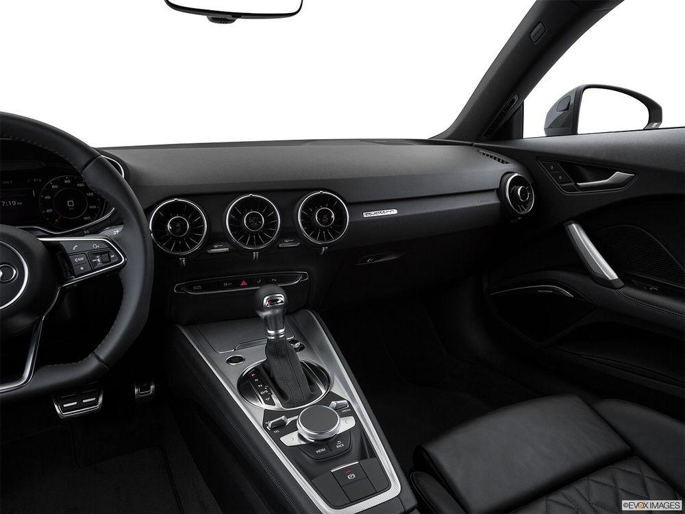 Audi TT 2017, United Arab Emirates