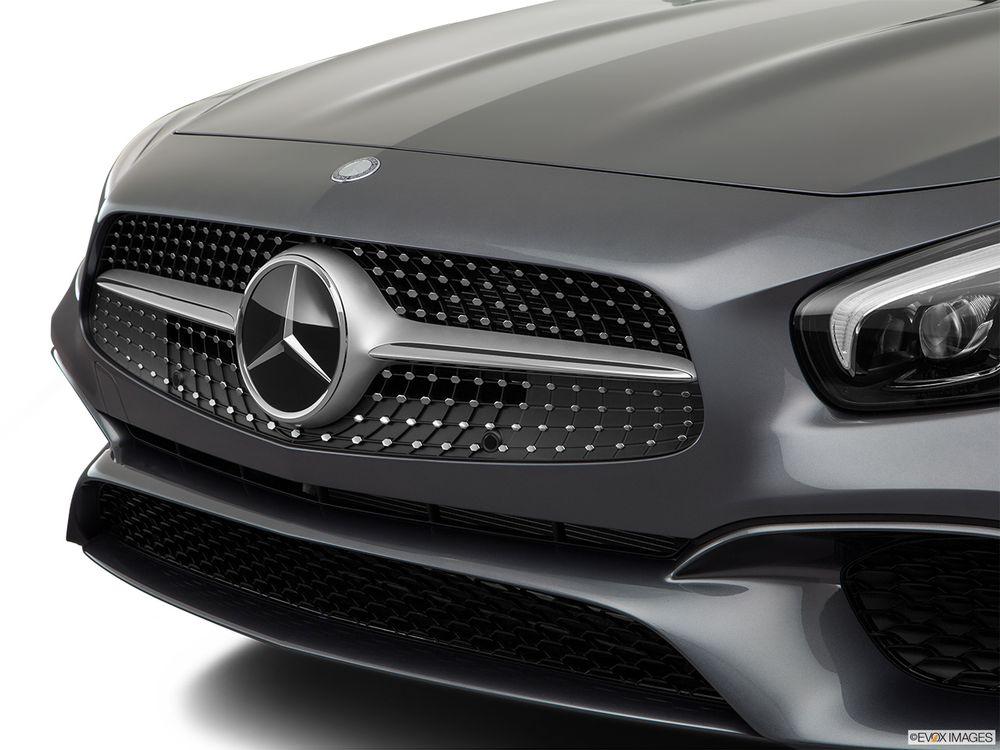 Mercedes-Benz SL-Class 2017, Oman
