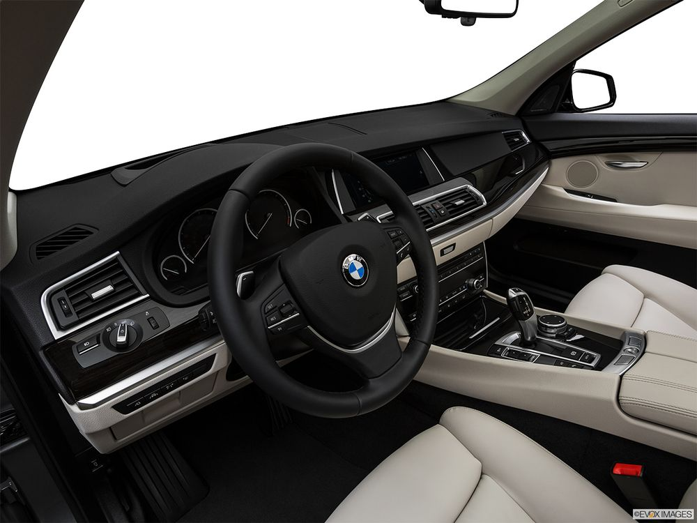 BMW 5 Series Gran Turismo 2017, United Arab Emirates