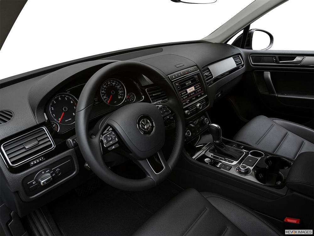 Volkswagen Touareg 2017, Saudi Arabia