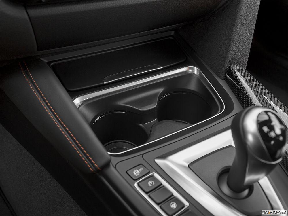 BMW M4 Coupe 2017, Oman