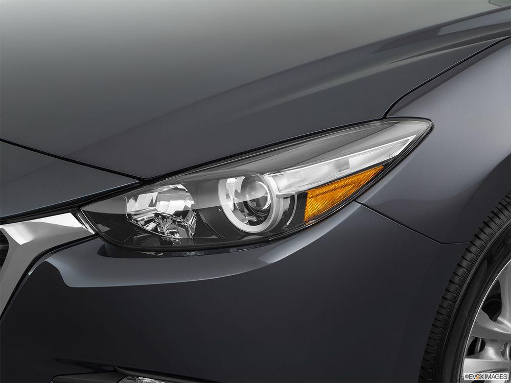 Mazda 3 Sedan 2018, Kuwait