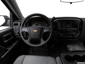 شفروليه سلفرادو 2018 1500 Base, السعودية, Steering wheel/Center Console.