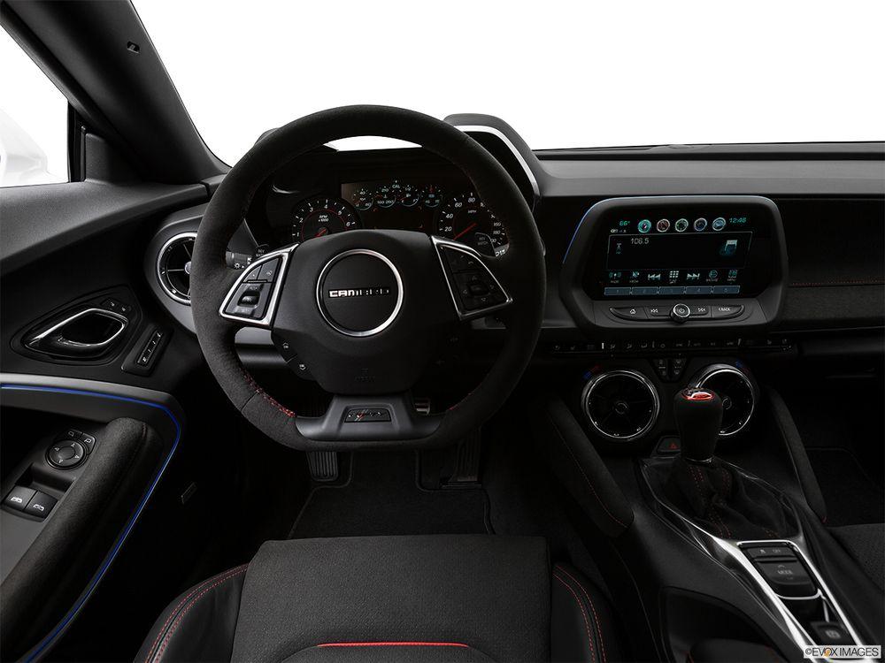 Chevrolet Camaro Coupe 2018, Oman