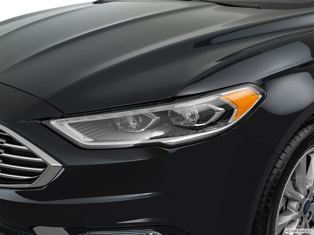 Ford Fusion 2018, Oman