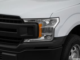 Ford F-150 2018 3.5L Regular Cab XL (2WD), Qatar, Drivers Side Headlight.