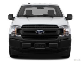 Ford F-150 2018 3.5L Regular Cab XL (2WD), Qatar, Low/wide front.
