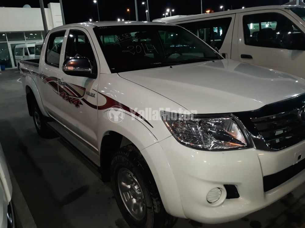 Used Toyota Hilux 2.5 Double Cab 4x4 M/T Base 2014