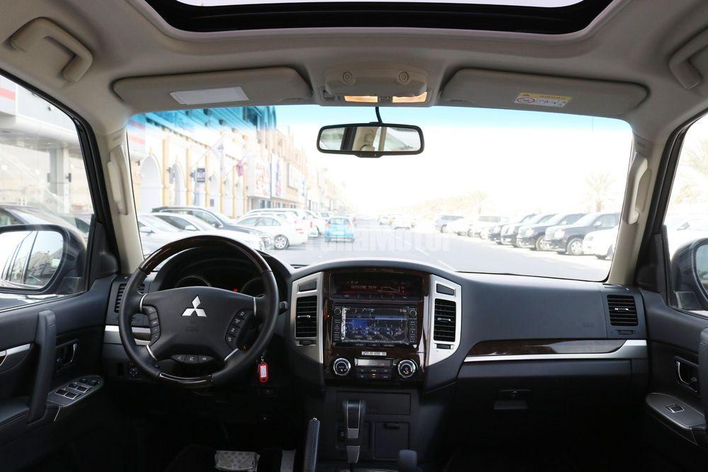 New Mitsubishi Pajero 3.8L 5 Door Full 2017