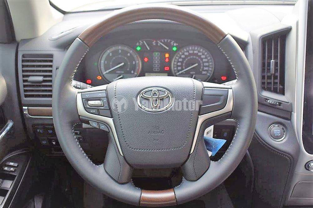 New Toyota Land Cruiser V8 Turbo Diesel 2018