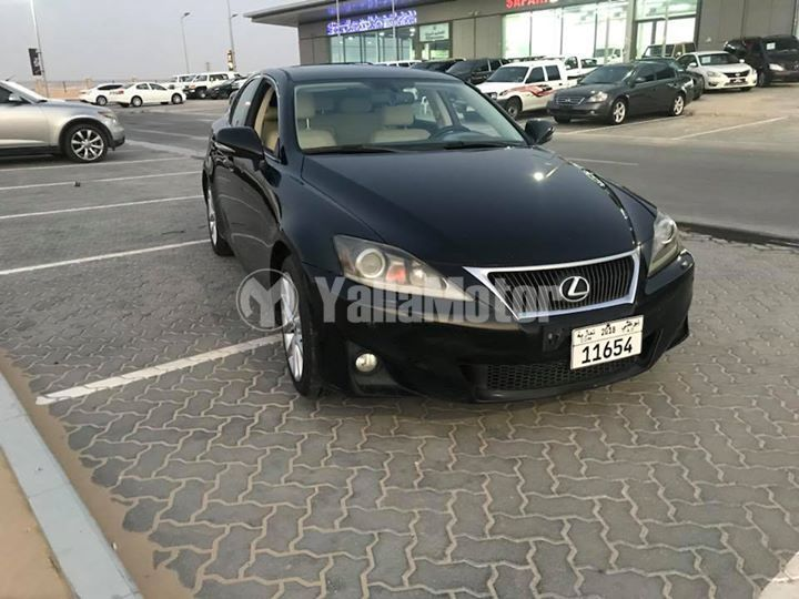 used lexus is 300 2011 (807129) | yallamotor