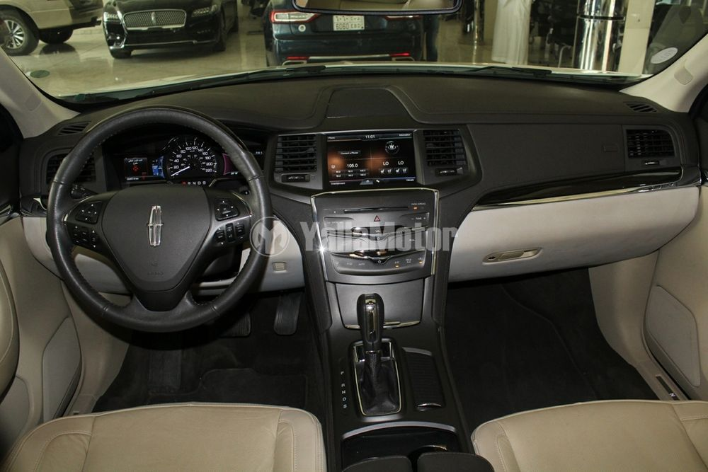 Used Lincoln MKS 2015