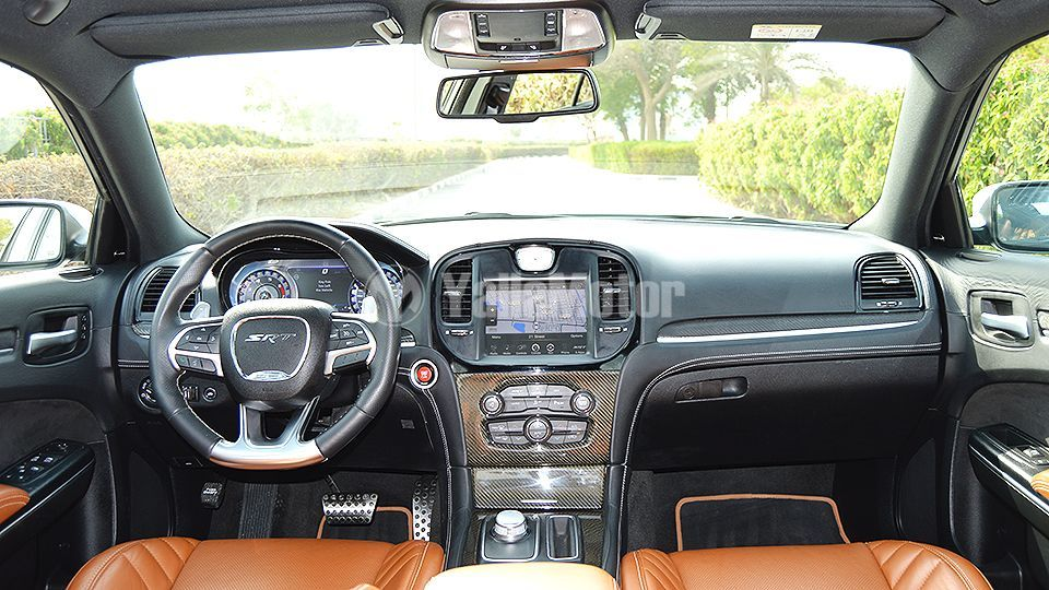 Used Chrysler 300 SRT8 6 4 L 2015 (830296) | YallaMotor com