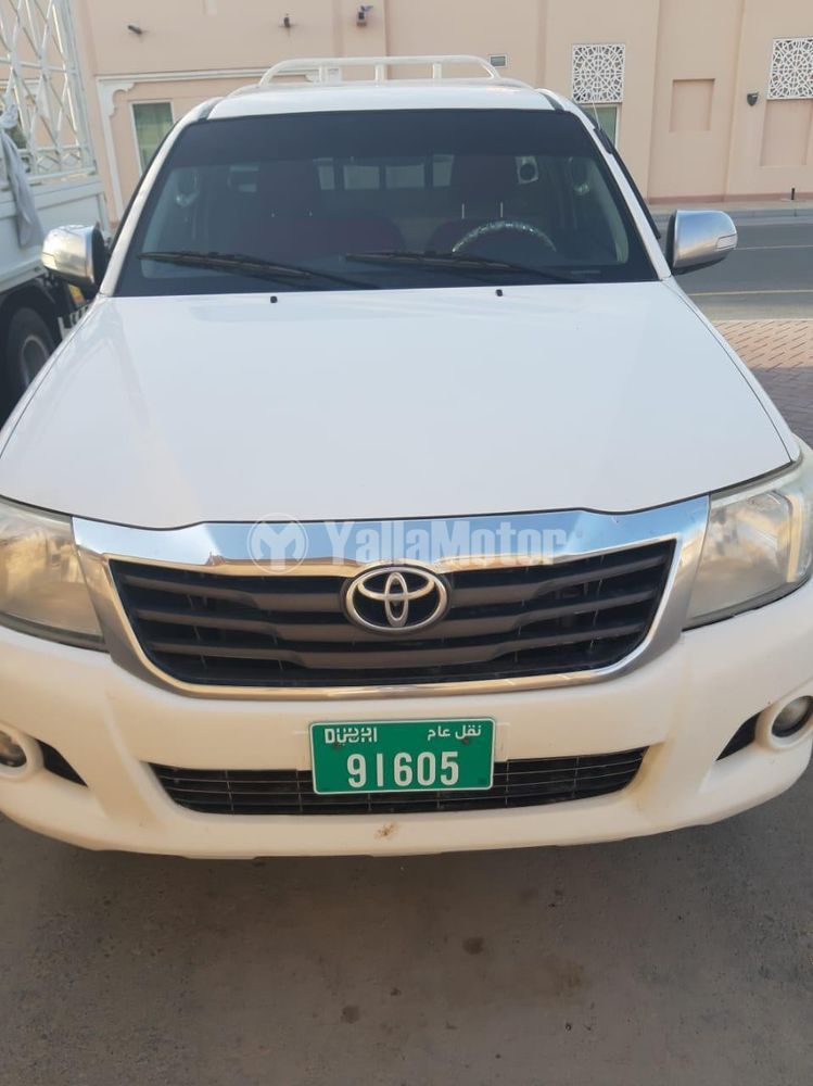 Used Toyota Hilux 2014
