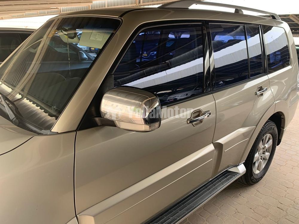 Used Mitsubishi Pajero 3.5L 5 Door Full 2010