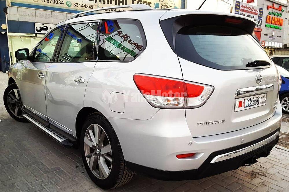 Used Nissan Pathfinder 2014
