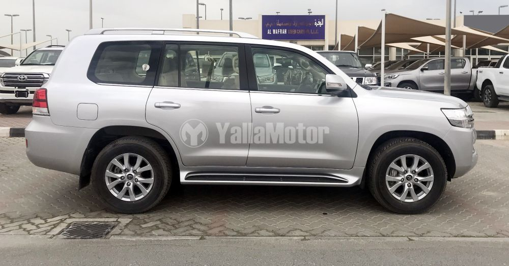 New Toyota Land Cruiser 5.7L EXR 2018