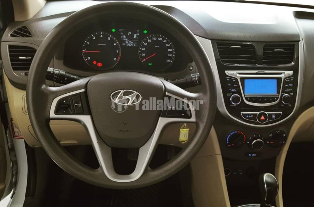 Used Hyundai Accent 1.6L Mid Option 2015