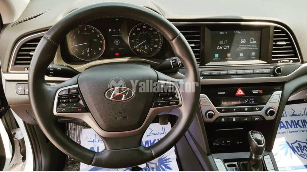 Used Hyundai Elantra 2.0L Standard  2017