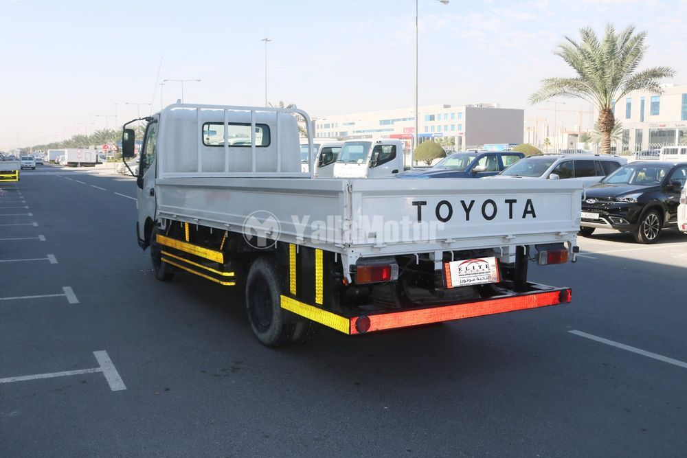 Used Toyota pickup 2015