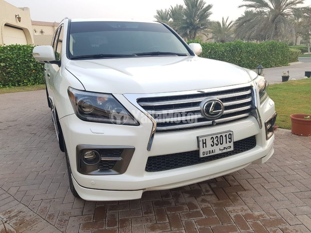 Used Lexus LX 570 5 door 5.7L 2013