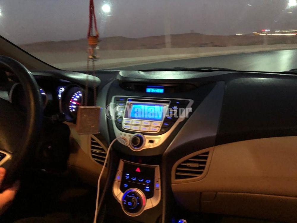 Used Hyundai Elantra 2012