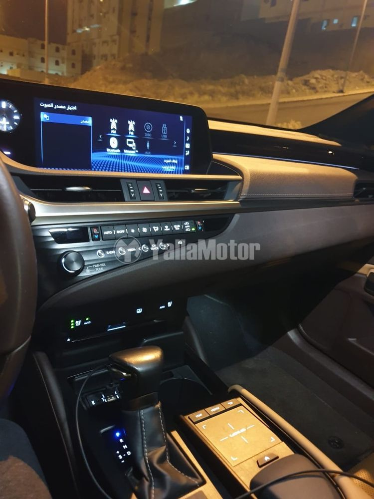 Used Lexus ES 350 4 door 3.5L 2019