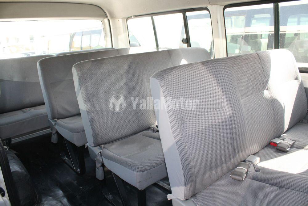 Used Toyota Hiace 2.5L Commuter M/T 2008
