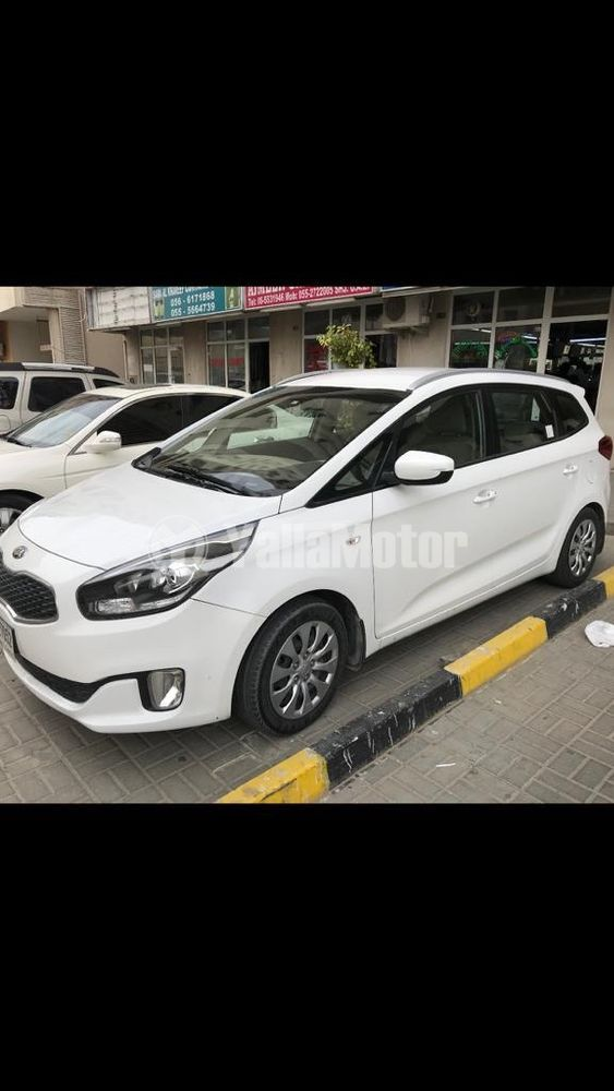 Used Kia Carens 1.6L Mid Option 2014