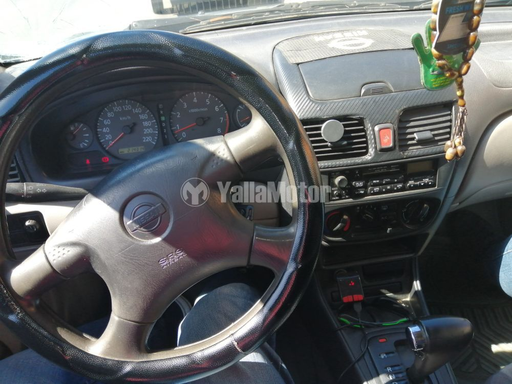 Used Nissan Sunny 2002