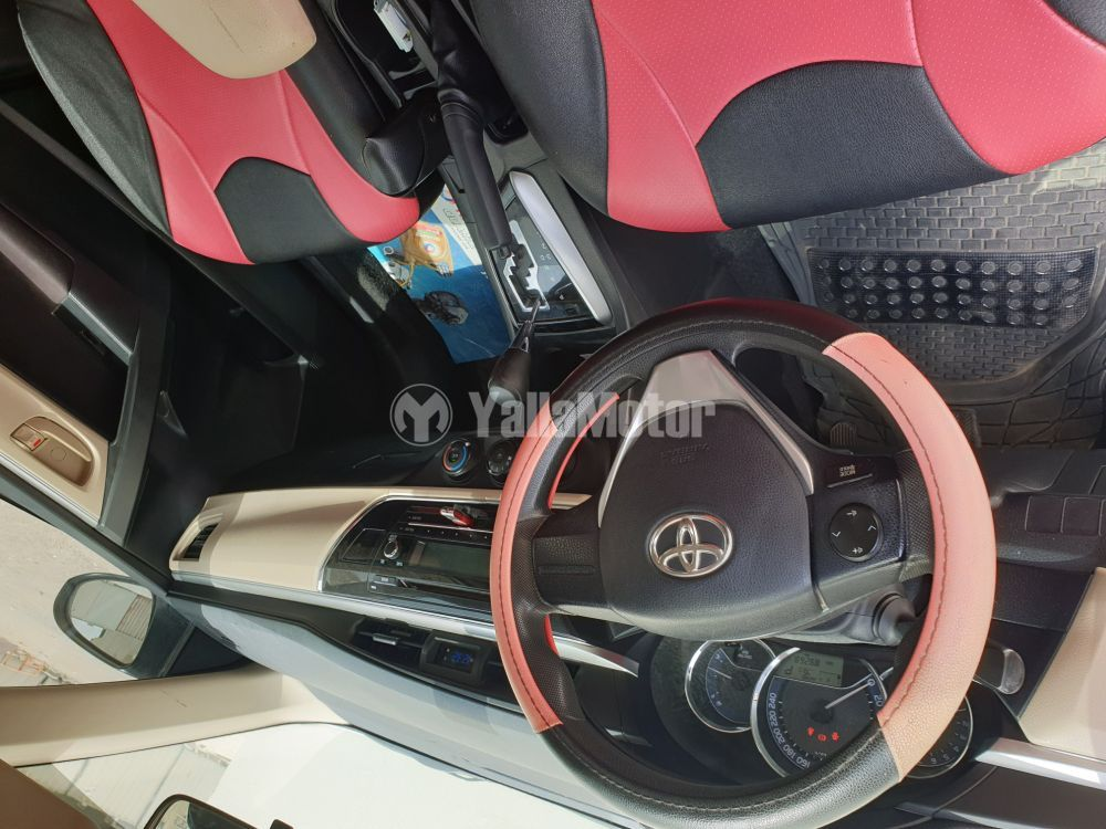 Used Toyota Corolla 1.6L SE 2015