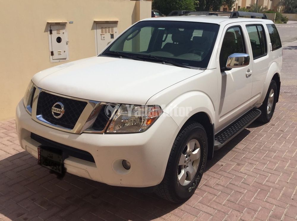 Used Nissan Pathfinder SE 2008