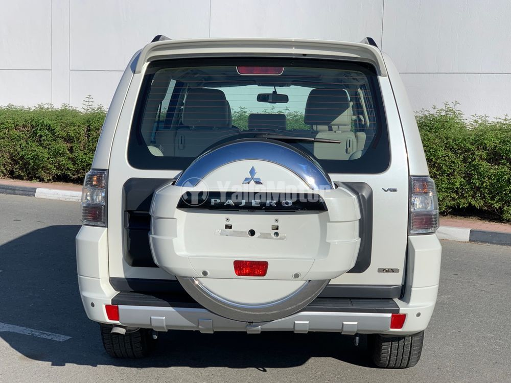 Used Mitsubishi Pajero 3.5L 5 Door Full 2014