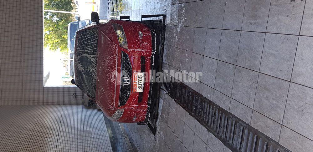 هوندا أكورد كوبيه 3.5 لتر V6 + نظام ملاحة 2009 مستعملة