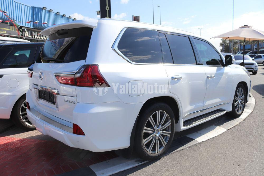 Used Lexus LX 570 5 door 5.7L 2016