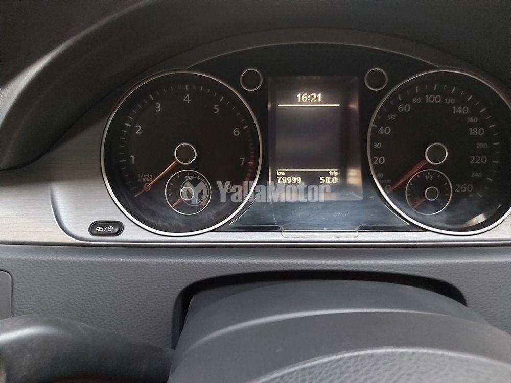 Used Volkswagen Passat 1.4L  2013