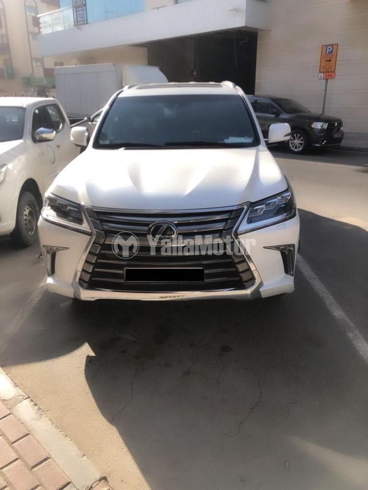 Used Lexus LX 570  5 door 5.7L 2016