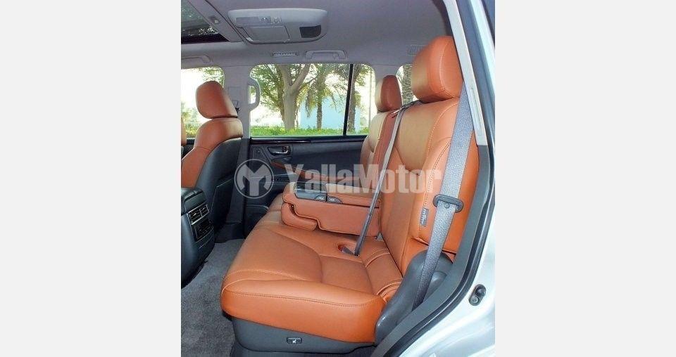 Used Lexus LX 570  5 door 5.7L 2009