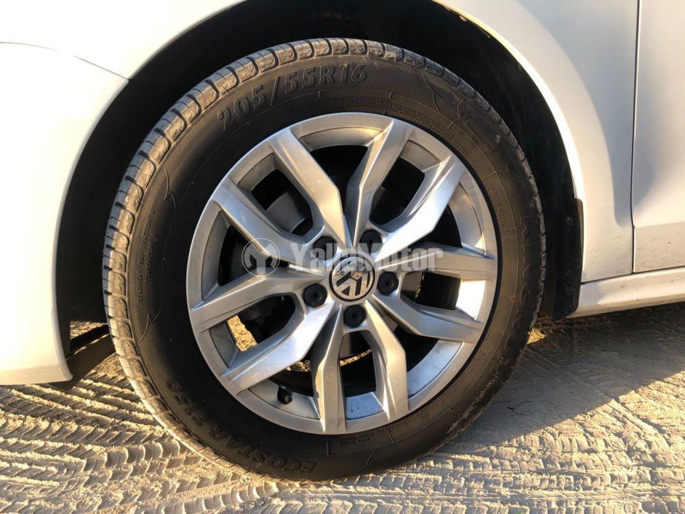 Used Volkswagen Jetta 2.0L Sedan 2012