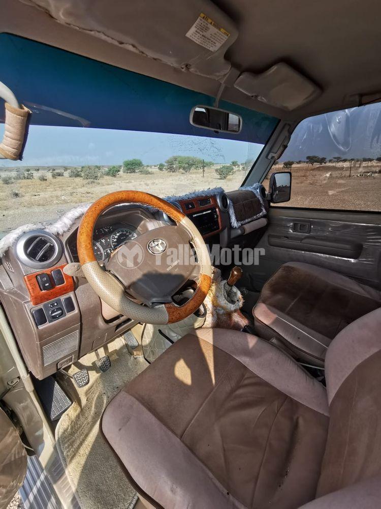 Used Toyota Land Cruiser Pick Up  4.0L Single Cab 2013