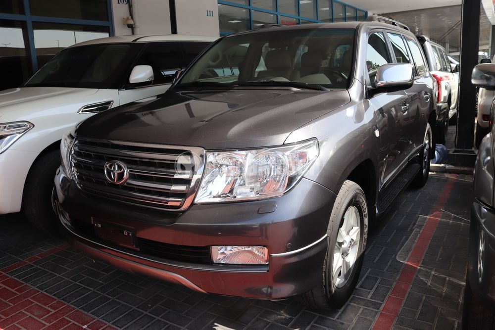 Used Toyota Land Cruiser  4.6 VXR 2010