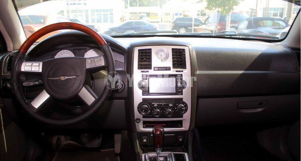 كرايسلر 300 سي 2005 مستعملة