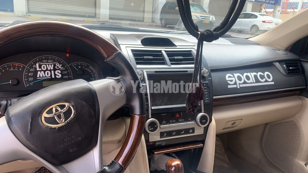 Used Toyota Camry SE 2012