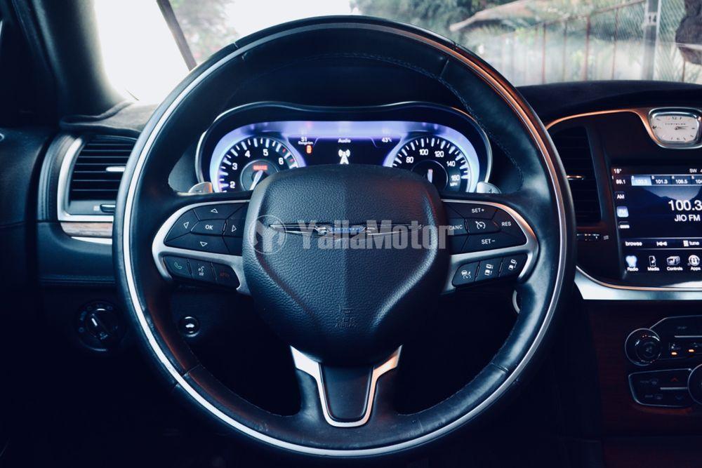 كرايسلر 300 سي 5.7L V8 Luxury  2016 مستعملة