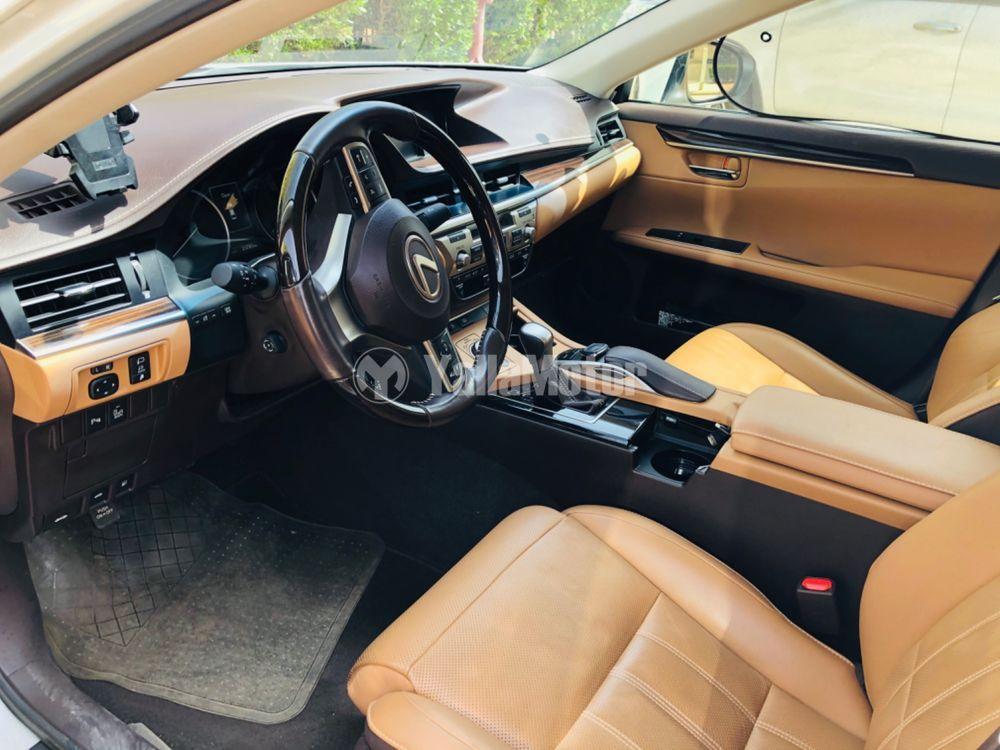 Used Lexus ES 350 4 door 3.5L 2017