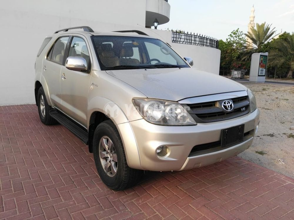Used Toyota Fortuner 4.0L 2007