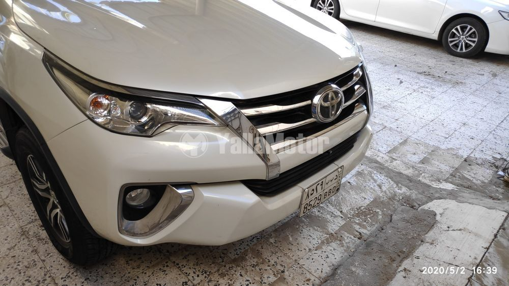 Used Toyota Fortuner 2.7L 2017