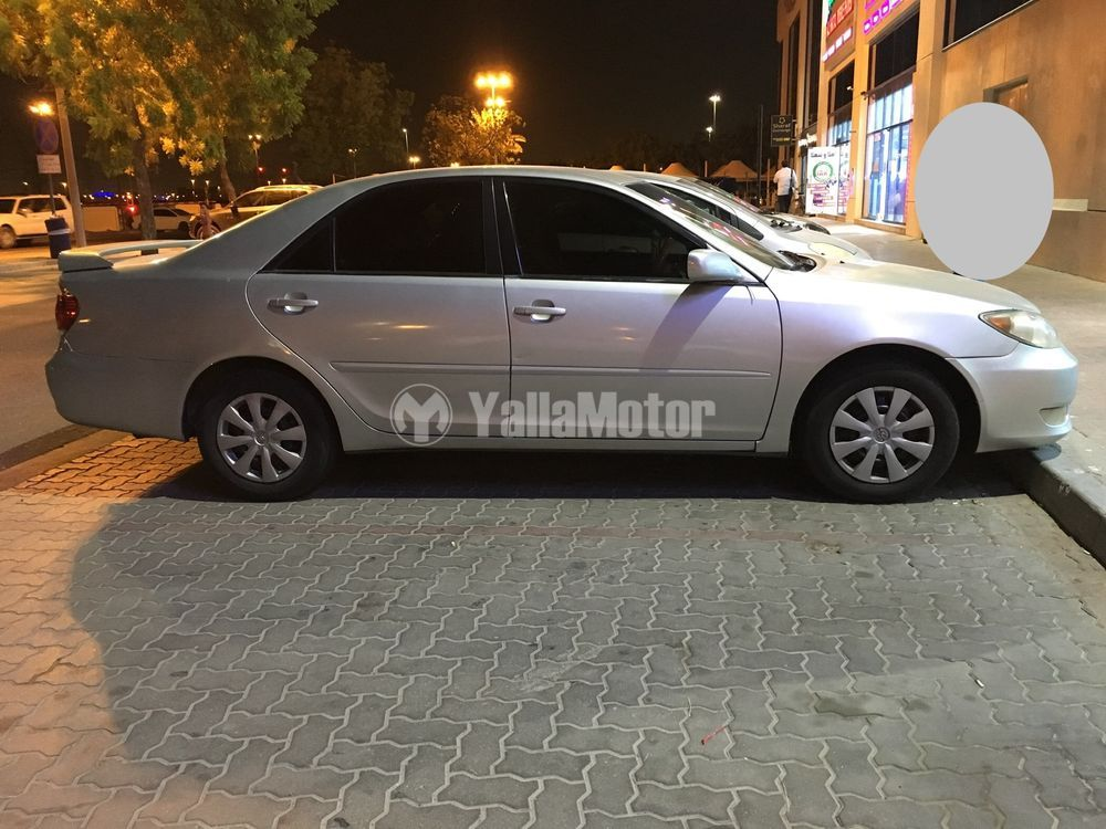 Used Toyota Camry 2.5L LE (204 HP) 2005