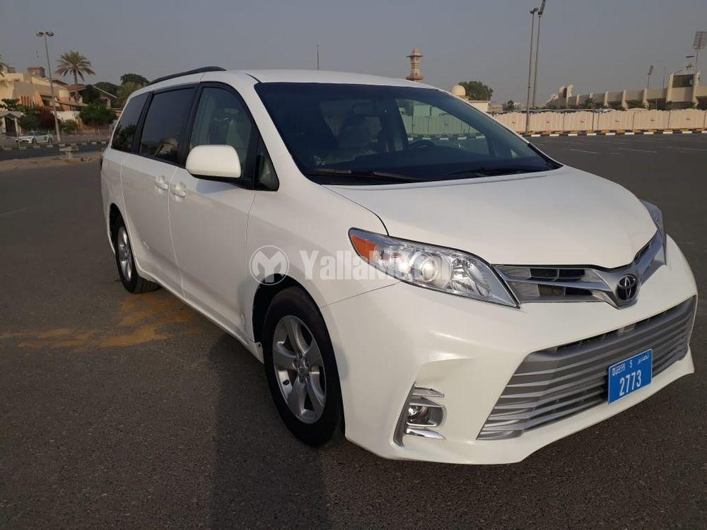 Used Toyota Sienna 2015